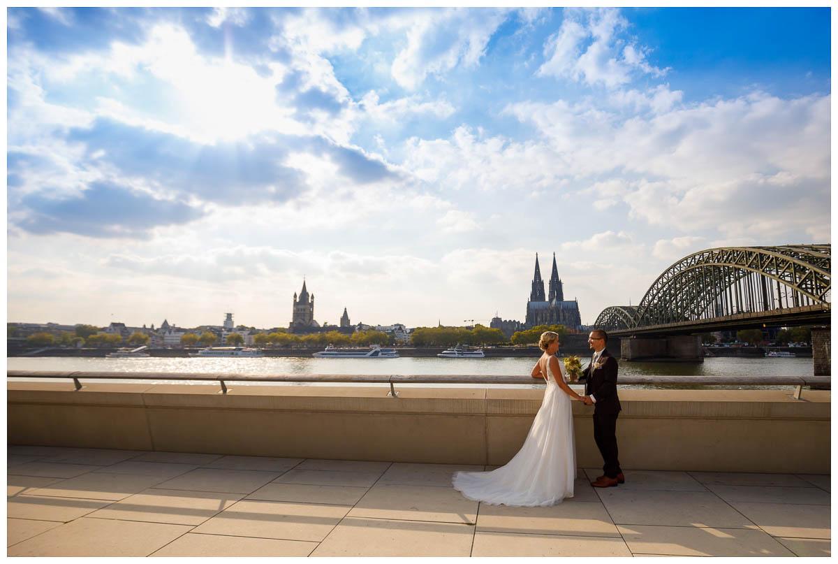 Fotoshooting Köln Hochzeit am Rhein